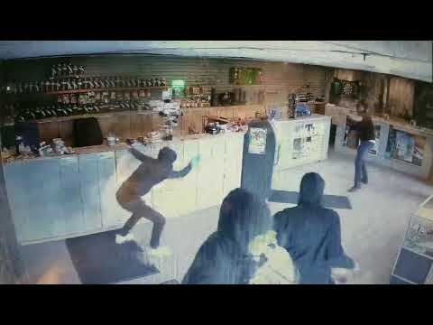 Dispensary Clerk Fights Off 3 Robbers with a Bong