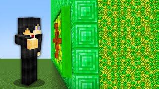 Minecraft, But There Aŗe Custom Vaults...
