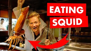 Gambar cover Eating Live Squid in Japan