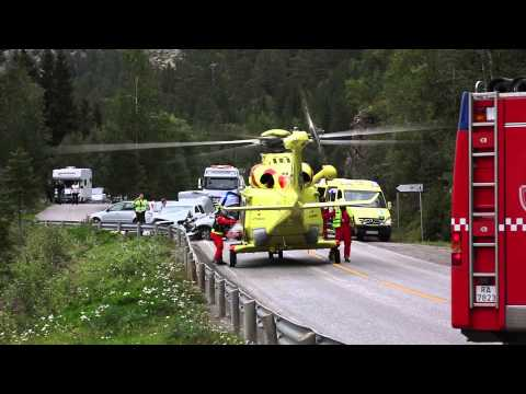 Rescue helicopter lands on highway in Norway (Namdalseid)