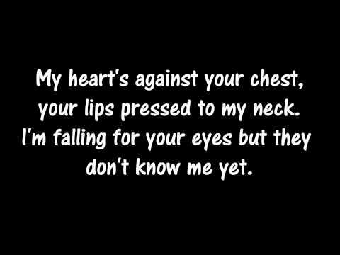 Ed Sheeran - Kiss Me (Lyrics On Screen)