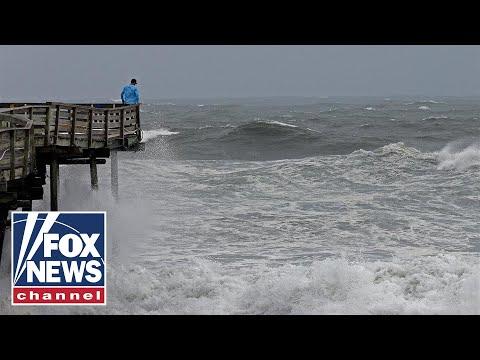 Outer bands of Hurricane Florence rock North Carolina coast