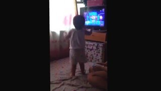 vincent dancing to showtime theme song :)