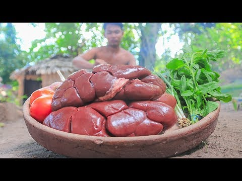 Primitive Technology: Cooking Beef Kidneys For Food In The Forest | Wilderness Food