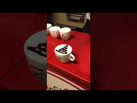 Latte Art caffè morandini albero di natale
