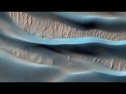 HiRISE - Roving Mars (fotos da superfície de Marte com música de Philip Glass)