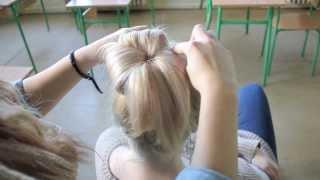 Frizura tippek vállig érő/rövid hajból (balerina konty vállig érő hajból)