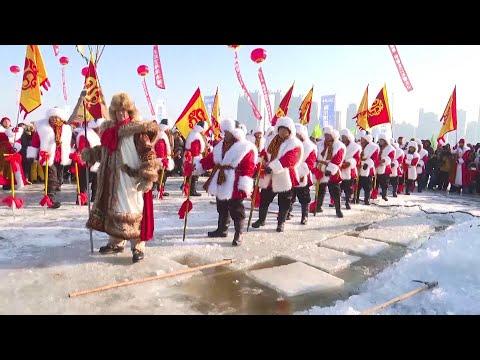 انطلاق مهرجان استخراج الثلج في مدينة هاربين الصينية  - نشر قبل 2 ساعة
