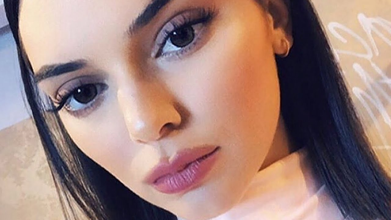 Kendall Jenner Mocks Kylie's Over-Lined Lips as She Channels Her ...