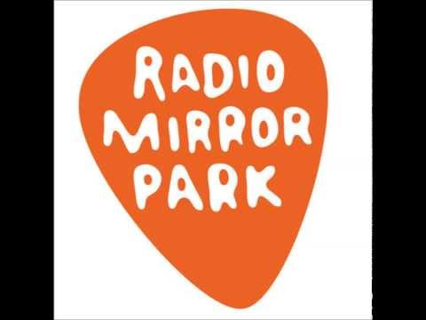 GTA V [Radio Mirror Park] The C90's - Shine a Light (Flight Facilities Remix)