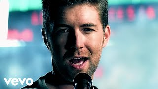 Watch Josh Turner Firecracker video