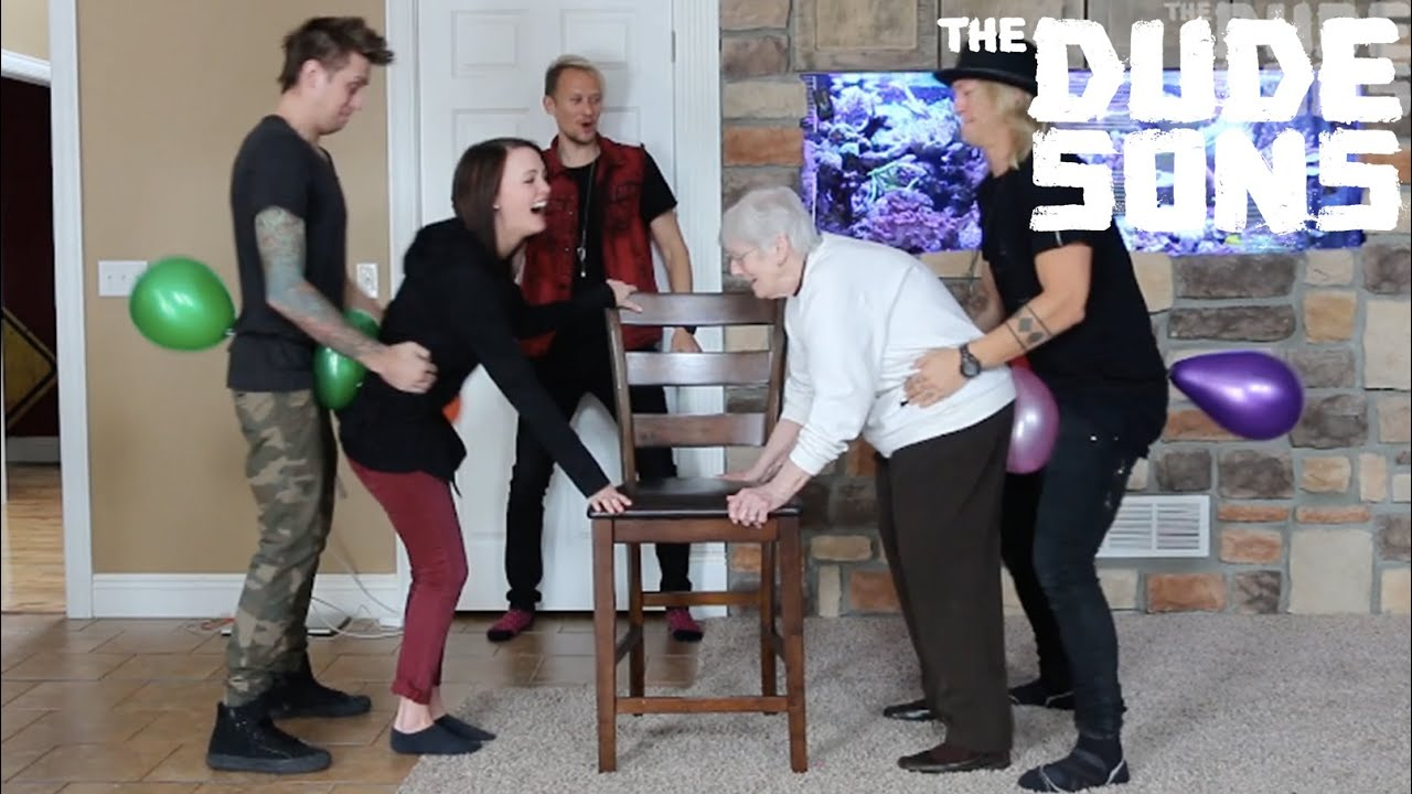 Humping Granny Good balloon hump challenge - the dudesons - youtube
