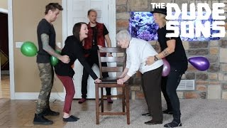 Balloon Hump Challenge - The Dudesons