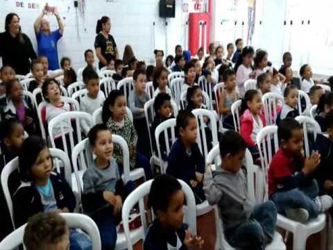 GRUPO SEMEANDO HISTÓRIAS DA AEF NA CRECHE CANTINHO ALEGRE-21/6/2017