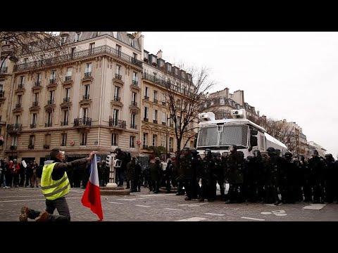 Acte 9 : 84 000 gilets jaunes en France et quelques heurts à Paris