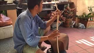 BowMake Show Longbow Bamboo Back Thai woods