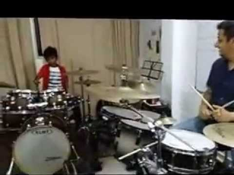 Anurag Saha jamming with   Darshan Doshi during Masterclass . All the drummers must watch