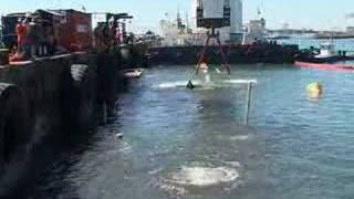 Raising and refloating the wrecked Southern Harrier - Cape Town