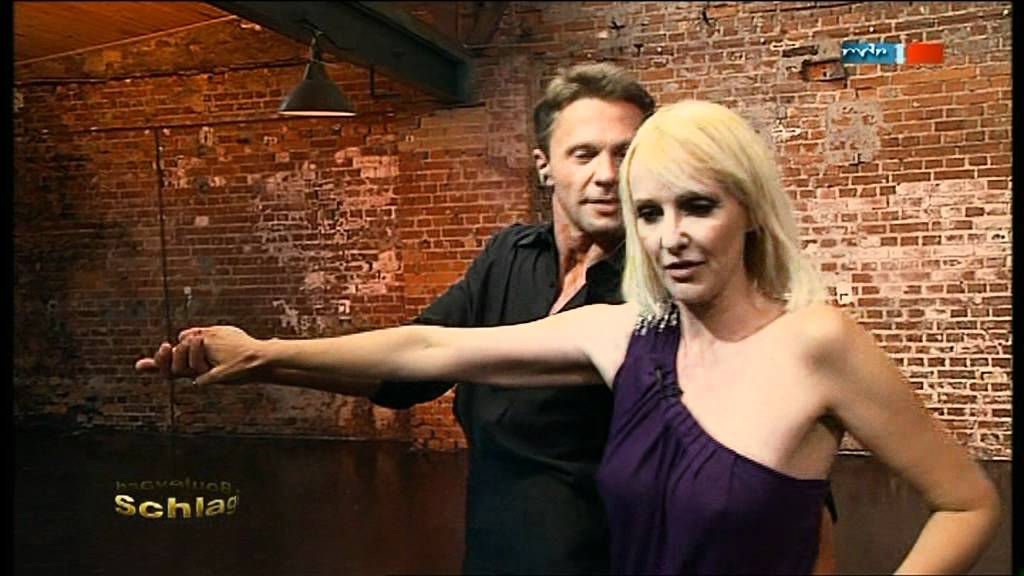 Kristina Bach MDR nippelig - YouTube
