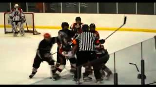 Crazy hockey fight in a minor hockey league