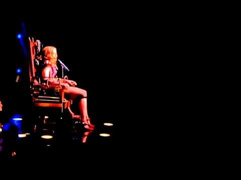 Lament - Madonna Live (Re-invetion Tour 2004)