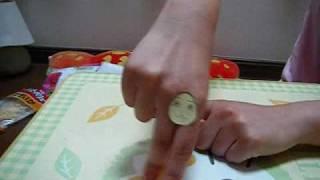 指の動きが巧みなOの手に、お泊りのノリで顔をつけてみました。完全なる...