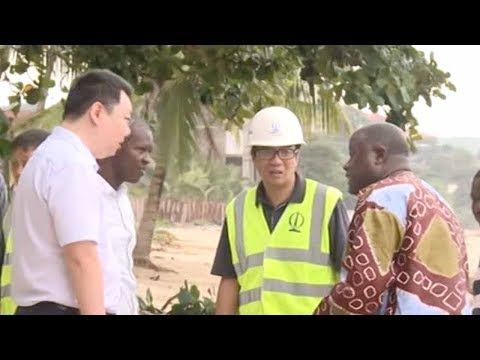 Chinese residents in Sierra Leone assist mudslide rescue operation