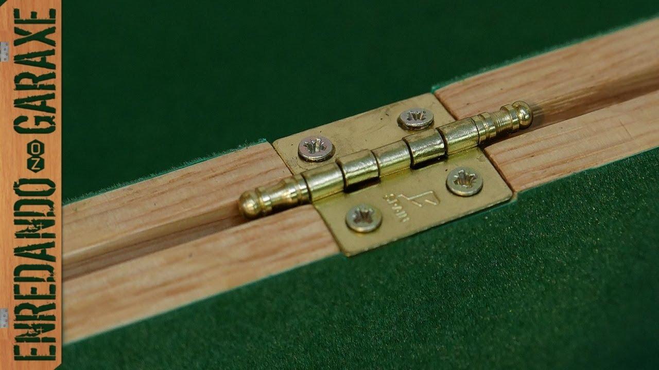 C mo poner bisagras a una caja de madera youtube for Como hacer una puerta de madera