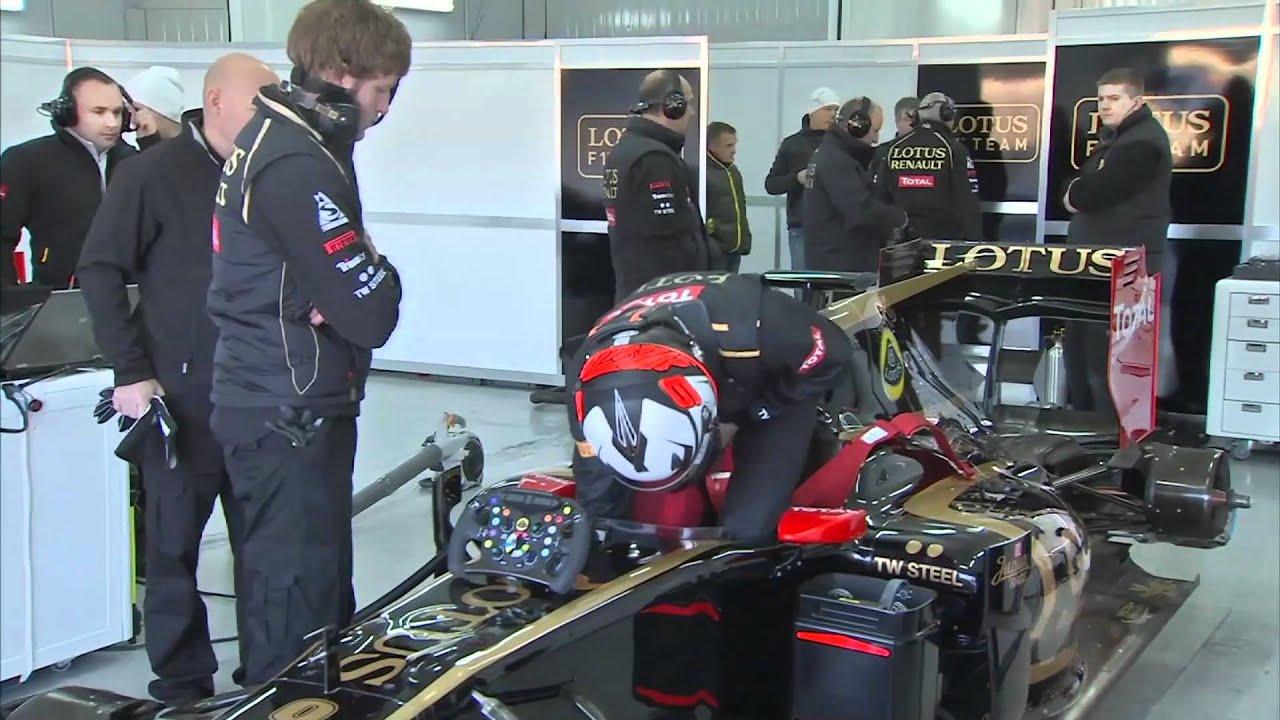 F1 2012 lotus renault kimi raikkonen in the garage for Garage lotus