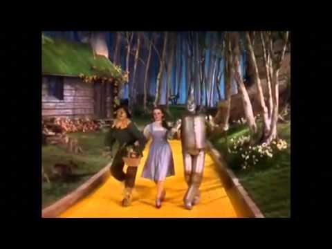 Suicida En El Mago De Oz Original vs nueva version - YouTube