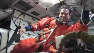 STS-134 Endevour - The Endevour Crew Arrives in Orbit