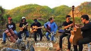 Download lagu Mencari Alasan Acoustic Pengamen Jos The Gendhot MP3