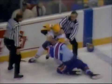 Kevin McClelland Vs Mark Kachowski Edmonton Oilers Vs