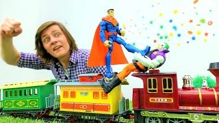 Супергерои: Супермен и Джокер на поезде. Видео для мальчиков