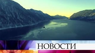 НаТелецком озере обнаружены обломки упавшего накануне вертолета итело погибшей пассажирки.(Масштабная поисковая операция разворачивается в Республике Алтай в районе Телецкого озера, где потерпел..., 2017-02-13T07:19:43.000Z)