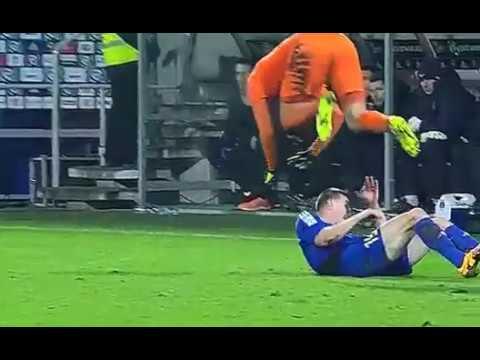 Faul Miroslava Bożoka. Wideo