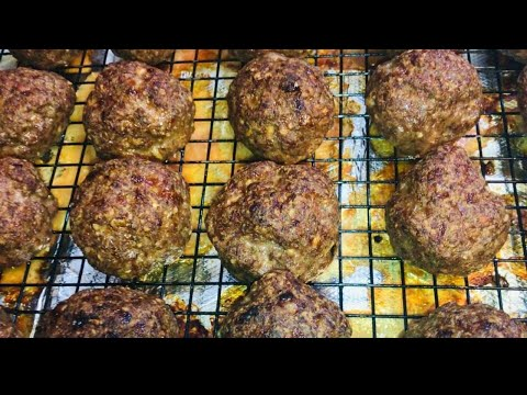 how-to-make-italian-style-meatballs-with-sauce-recipe---how-to-make-meatballs