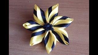 Цветы из ткани.Цветок из кусочков атласных лент.DIY.Flowers of fabric