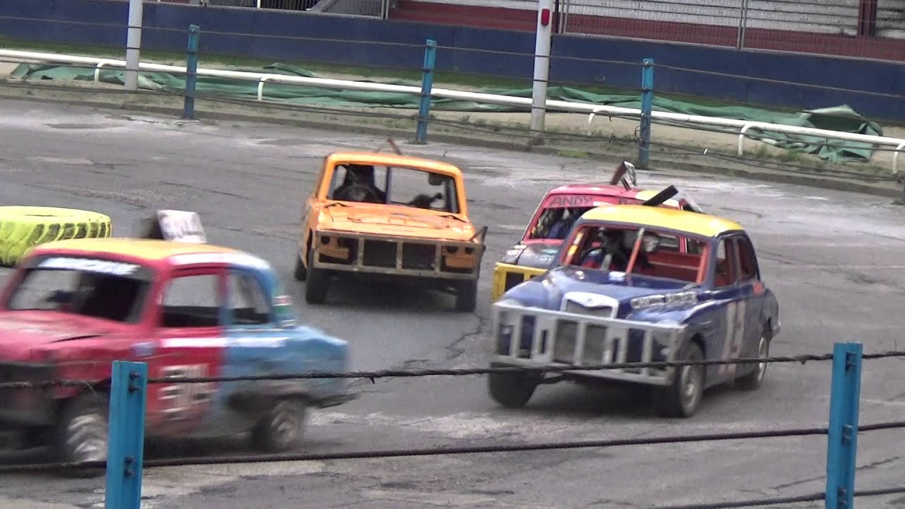 Historic stock cars wimbledon 26 12 2015 part 1 youtube for Stock car a couture 2015
