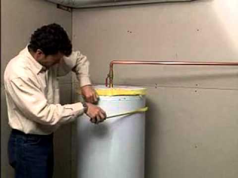 installation de couverture isolante pour chauffe eau youtube. Black Bedroom Furniture Sets. Home Design Ideas
