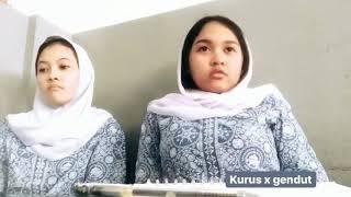 Siswi Jilboobs SMA Jakarta Ini Menggoda Guru Agama Didalam Kelas