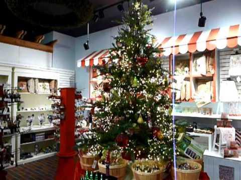 cluster lights on christmas tree