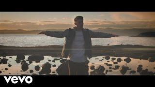 Смотреть клип Steve Kroeger Ft. Skye Holland - Coastline