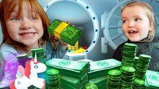 COPS vs ROBBERS -  ESCAPE THE BANK!!  Adley & Niko play a new Roblox game!  Adley's App Review pt 2