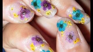 Aprenda a fazer unhas decoradas com flores secas