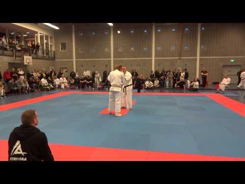 NK kyokushin 2012 frank mulder 2e partij ronde 1
