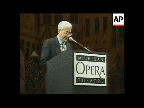 Detroit opera, fine arts champion David DiChiera dies at 83