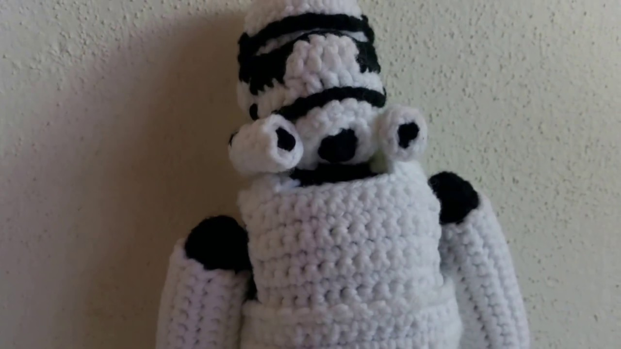 Amigurumi Star Wars Patterns : Stormtrooper from star wars craftg.com amigurumi crochet pattern