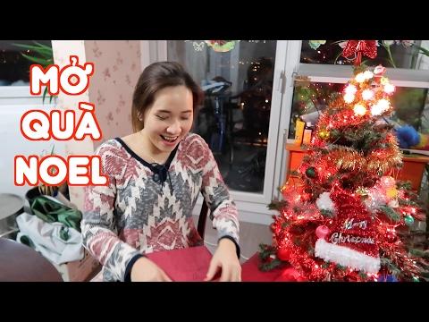 Mở quà Noel