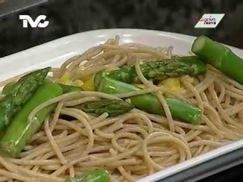 Receta para preparar pasta con esp rragos youtube for Cocinar esparragos